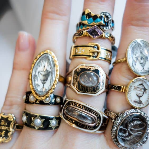 Antique_Mouring_Rings